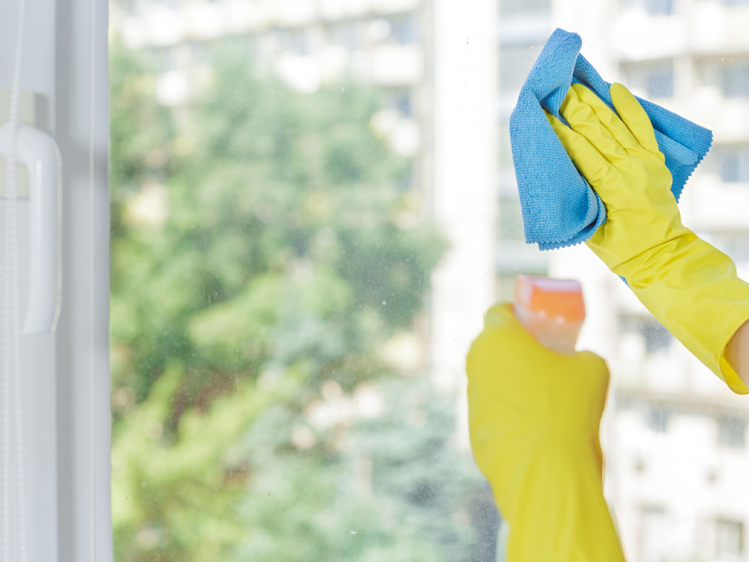 3 reasons to hire a team of professionals to clean your windows